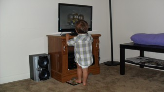 I found Carter watching his movie like this! It reminds me of 101 Dalmatians! lol